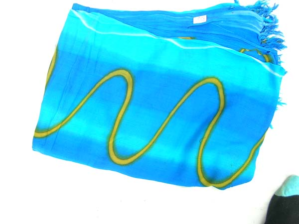 Stylish tie dye and wave designed blue batik cover shawl, online gift wear supplier