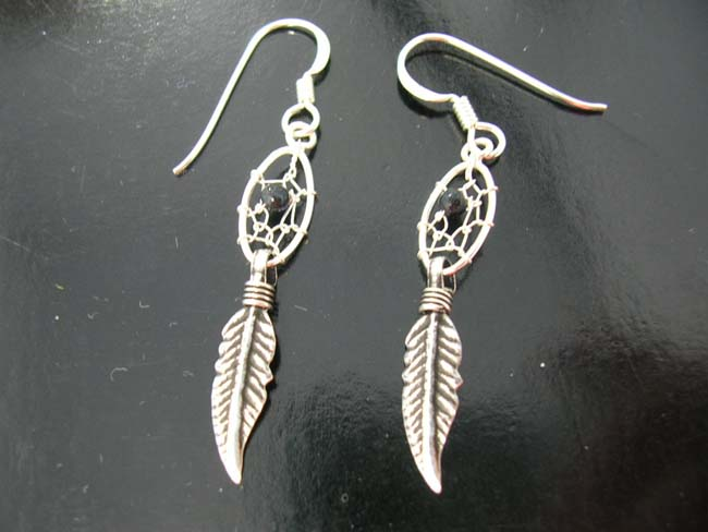 Native artisan jewelry, sterling silver earrings, ladies beaded fashions, designer wear, dream catcher design