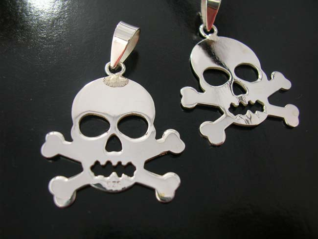 Skull and cross bone jewelry, rock and roll gifts, 925. sterling silver pendants, creative charm, premier accessory